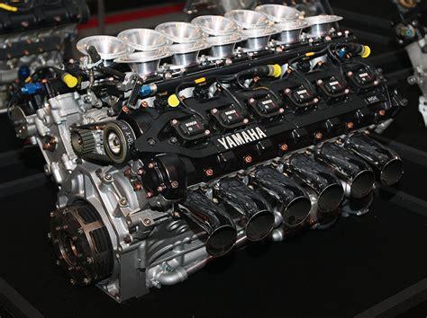 Yamaha V8 Biturbo (c/4 rodas)