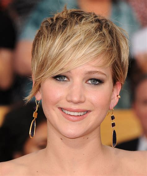 jennifer lawrence short straight casual hairstyle dark