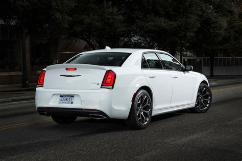 Www Chrysler 300 by 2017 Chrysler 300 Reviews And Rating Motor Trend