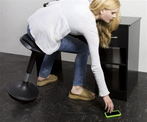 wobble stool by uncaged ergonomics uncaged ergonomics wobble stool dudeiwantthat