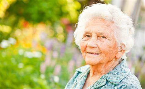 imagenes groseras de abuelas la promesa hecha a mi abuela y el gusto por los cementerios