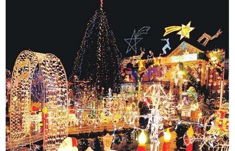 christmas in burnaby village lights 2015