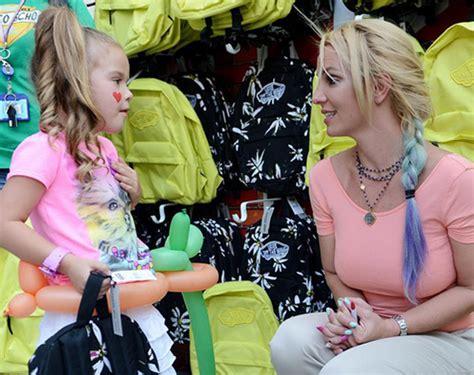 Britneys Weekend by Weekend Di Beneficenza Gossip