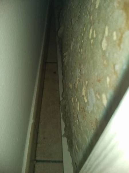 muffa dietro l armadio come eliminare la muffa da dietro gli armadi init on line