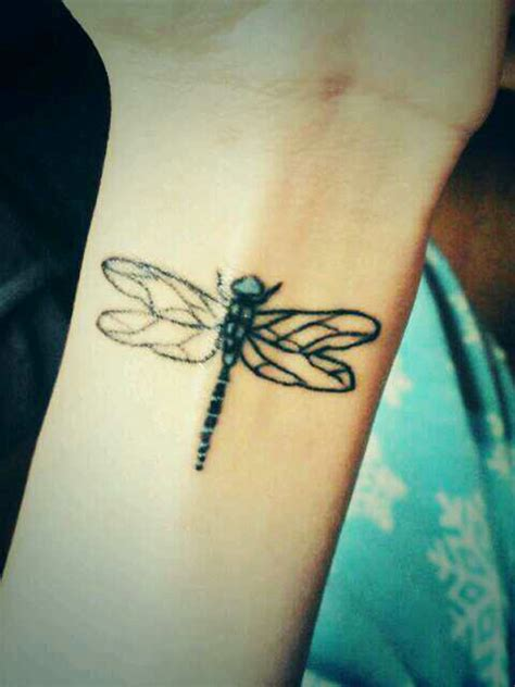 25 best dragonfly tattoo designs and placement ideas the
