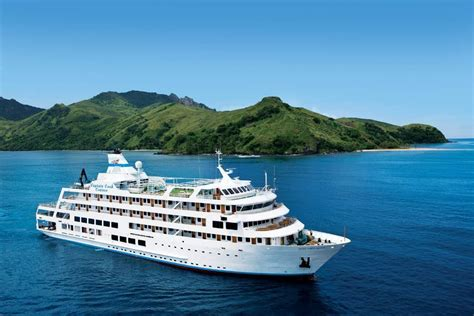 captain cruises south pacific islands customized and luxury travel with