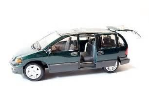 maisto plymouth voyager dodge caravan minivan 1 26 scale