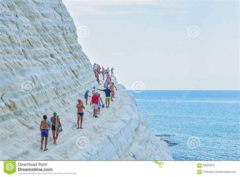 scala dei turchi porto empedocle porto empedocle italy august 2015 some tourists in