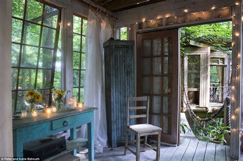 airbnb luxury treehouse  atlanta perches   year