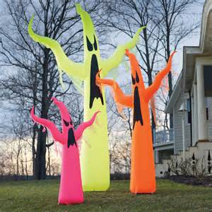 Giant Rugs Giant Neon Inflatable Ghosts The Green Head