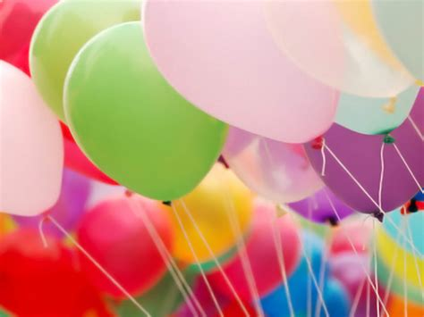 wallpaper bergerak happy birthday wallpapers balloons wallpapers