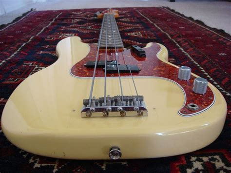 fender rug fender 62 ri precision bass on rug fender bass player