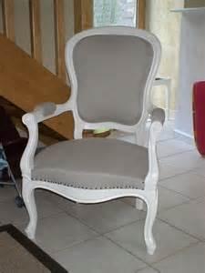 fauteuil style louis philippe apr 232 s photo de un endroit
