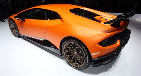 lamborghini shows no signs of ditching n a engines