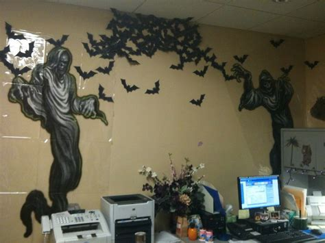 halloween decorating themes office 21 best images about theme work office job on