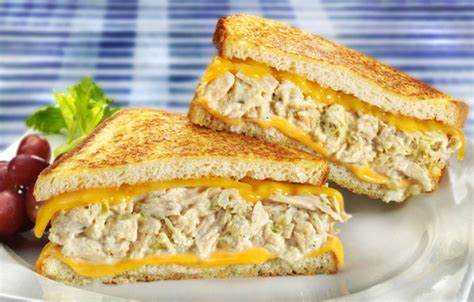 Tuna Blackpepper King Sandwich bumble bee tuna seafood recipes healthy delicious