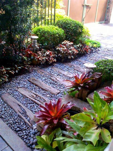 enchanting small garden landscape ideas  stepping walk