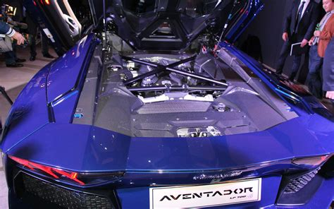 lamborghini aventador s roadster engine cars model 2013 2014 2013 lamborghini aventador roadster looks hotter with no top 2012 l a