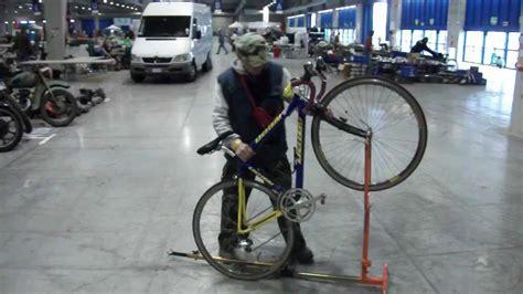 piedistallo per bici 097 cavalletto bici issof per corsa e mtb regolabile in