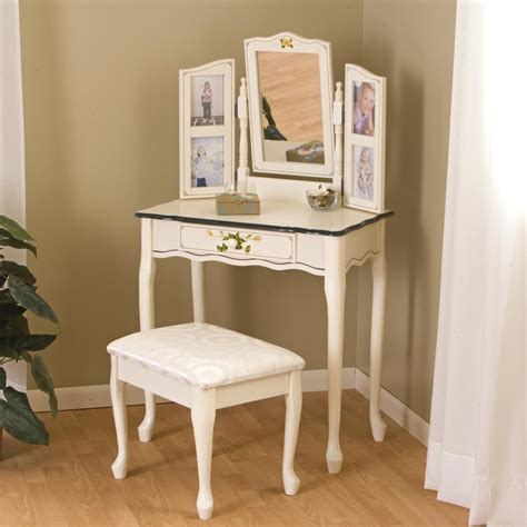 Vanity In Bedroom Bedroom Antique White Small Bedroom Vanity Designed With Drawer Also Mirror And Square White
