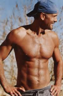 the randy report tim mcgraw shirtless in people magazine