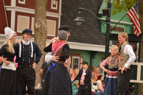 gambar menari amerika serikat parade kesukuan