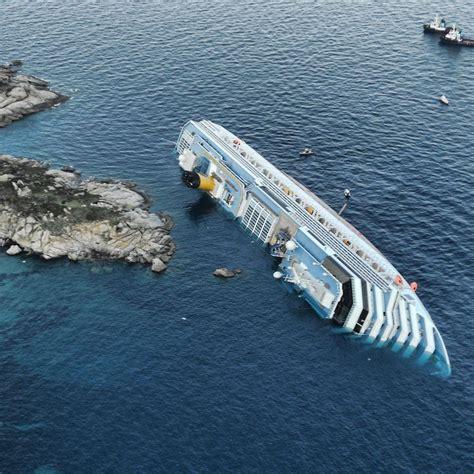 sinking boat cruise cruise ship sinking