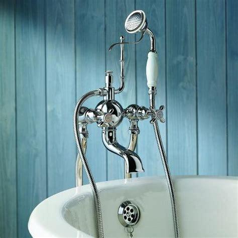 hauteur robinetterie baignoire bien choisir la robinetterie de sa salle de bain ooreka