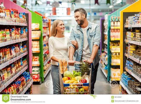 Shop Coules Enjoying Shopping Together Stock Photo Image 60143397