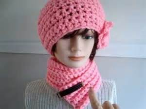 Crochet hat and scarf set link to sweetpotatopatterns youtube