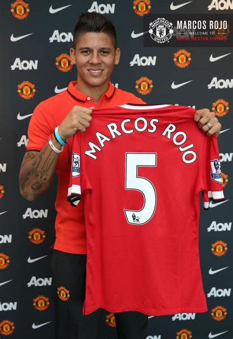 done deal manchester united officially sign marcos rojo