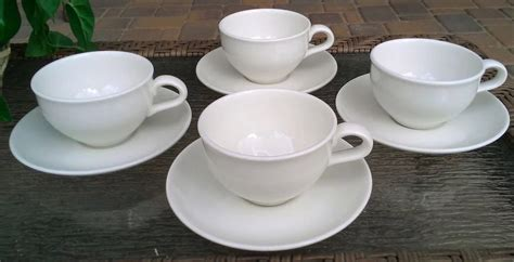 Minuman Luwak White Coffee 20gr iroquois casual white russel wright coffee cup saucer s avenue antiques ruby