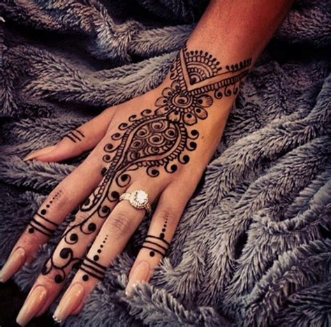 henna tattoo on dark skin 99 beautiful henna tattoo ideas for girls to try at least once