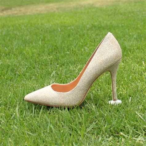 high heel grass protectors high heels sinking into grass 28 images the solemates