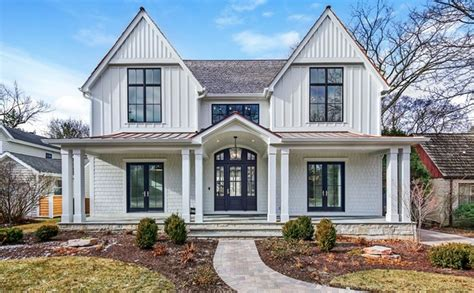 newly built newly built colonial style home in hinsdale illinois