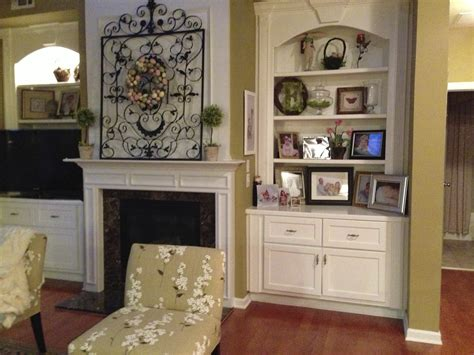 fireplace mantel and bookshelf decorating ideas