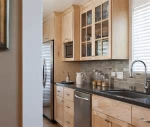 maple cabinets backsplash idea all about home
