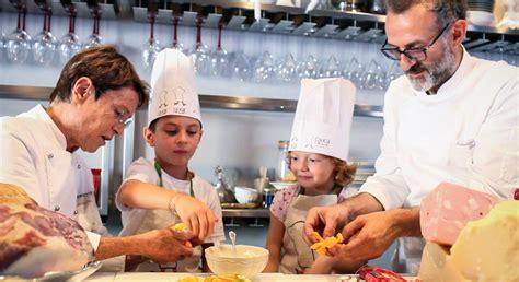cuochi in cucina bambini cuochi per un giorno a modena trip4kids