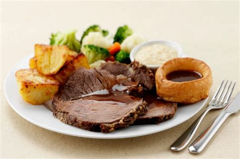 roast dinners traditional sunday roast yorkshire puddings england uk these are the places serving up a great sunday roast