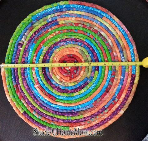 how to knit a rug with fabric 17 best images about knitted fabric rug on yarns crocheting and rope rug