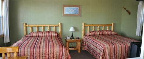two double beds two double beds voyageurs lodge batchawana bay ontario