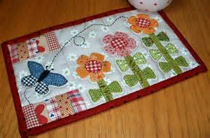 free mug rug patterns growing flowers mug rug by the patchsmith quilting pattern