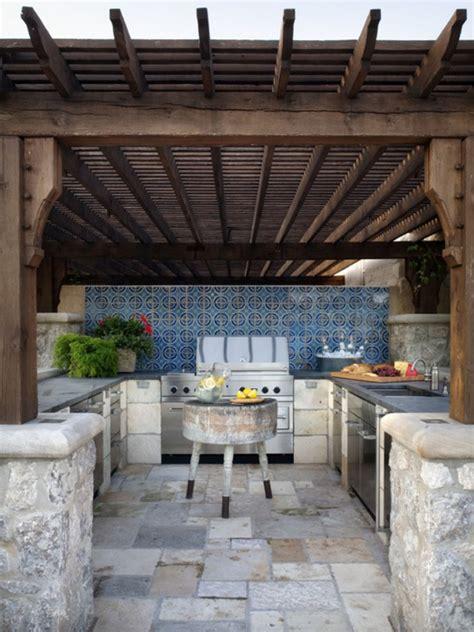mediterranean outdoor kitchen decor