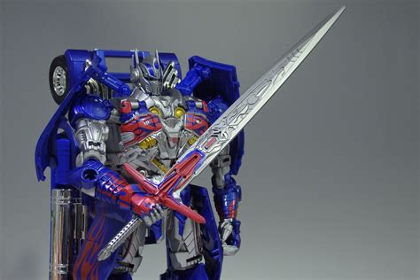 Toys R Us Transformers Sweepstakes - age of extinction toys r us japan optimus prime s temenos sword giveaway caign transformers