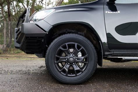 Headl Kanan Hilux 2016 Original 2016 toyota hilux accessories revealed developed in