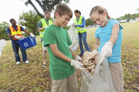 6 invaluable lessons community service teaches your child