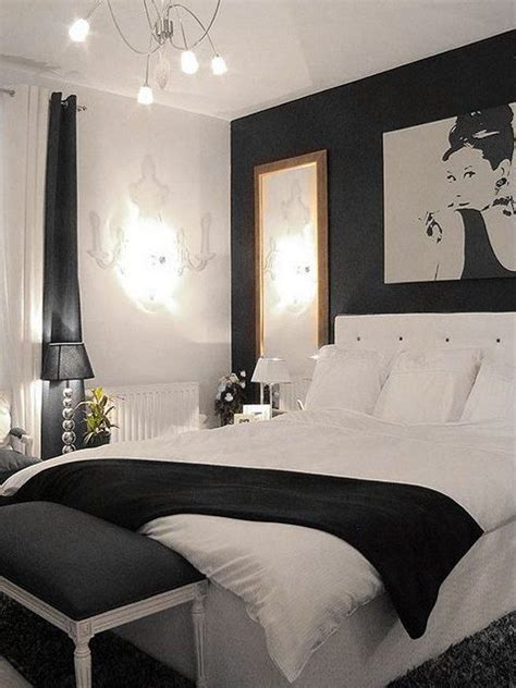 ways to make a small bedroom look bigger creative ways to make your small bedroom look bigger
