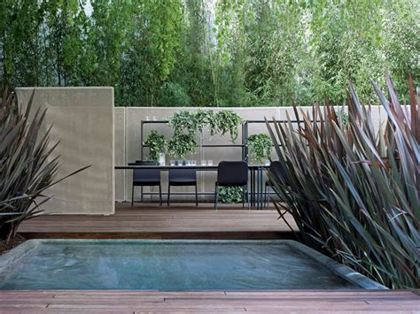 cloison jardin cloison de jardin abri by lenti design francesco rota