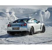 Nissan GT R 2015 Supercar Car Godzilar Snow Wallpaper 29