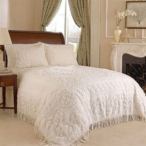 Bedspreads King Size Lightweight 1000 Ideas About Chenille Bedspread On